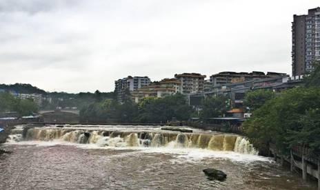 平 桥 观 瀑